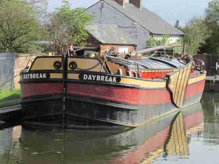 Historic Ship Returns to Thorne
